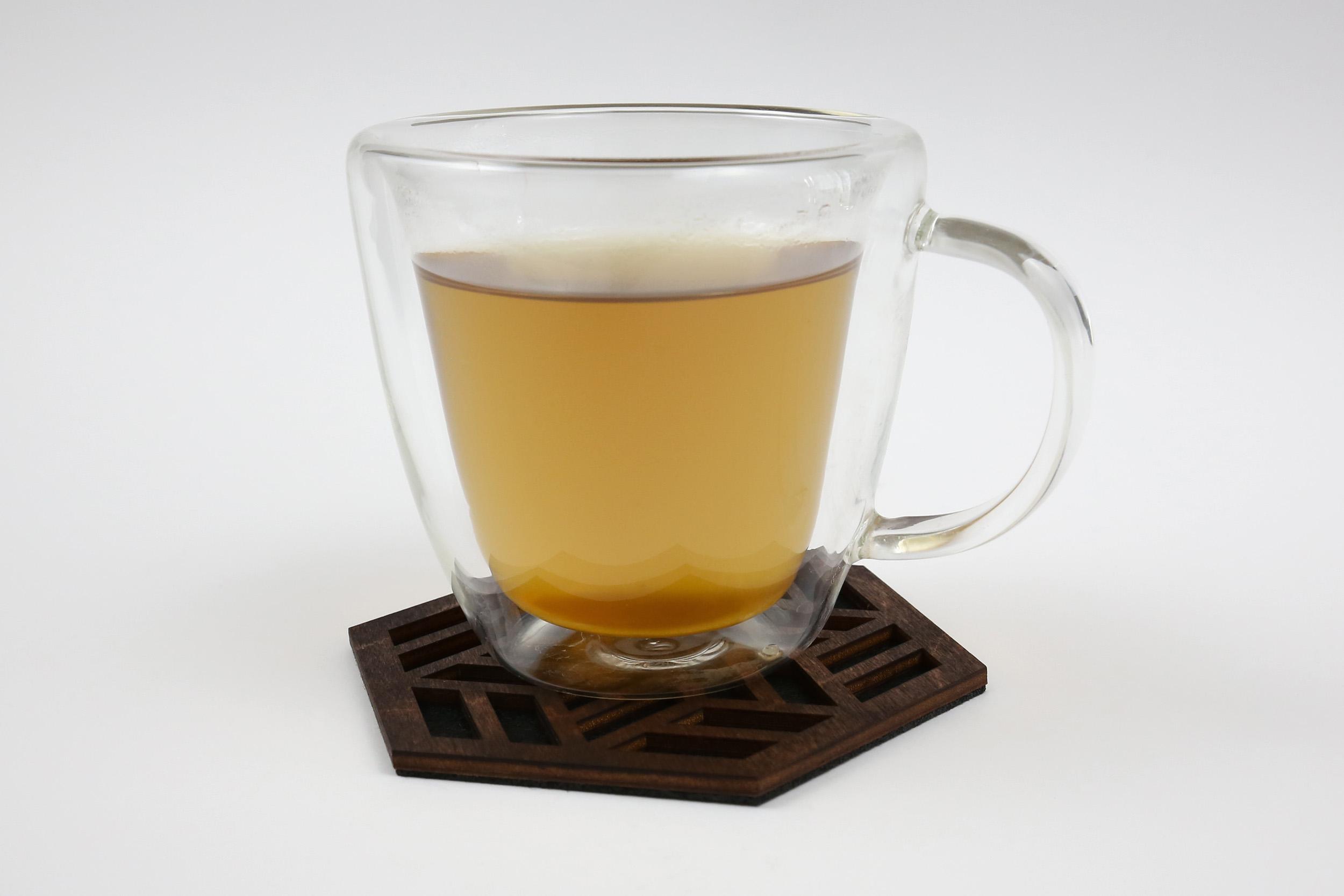 Medinis padėkliukas puodeliui – Žvaigždė